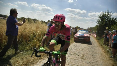 UTE: Rigoberto Uran er ferdig i årets Tour de France. AFP PHOTO / POOL / Marco BERTORELLO
