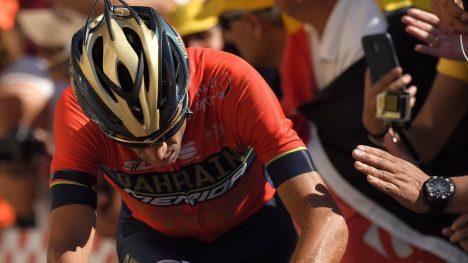 KJEMPET SEG TIL MÅL: Vincenzo Nibali. / AFP PHOTO / Marco BERTORELLO