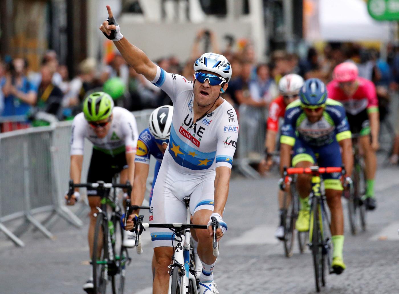 SLO TIL PÅ SISTE SJANSE: Alexander Kristoff tok seieren på den siste etappen i Tour de France. Foto: REUTERS/Stephane Mahe