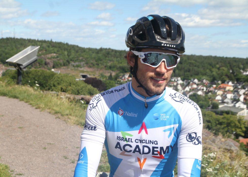 IKKE BARE BLID: Sondre Holst Enger mente det var en katastrofe at en gruppe på 25 mann slet seg løs i Arctic Race og at Israel Cycling Academy ikke klarte å plassere én eneste rytter der. FOTO: Jarle Fredagsvik