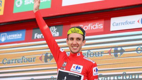 SAMMENLAGTVINNER: Simon Yates sikret seieren i Vuelta a España med en tredjeplass på den 20. etappen. Foto: Michael Steele/Getty Images